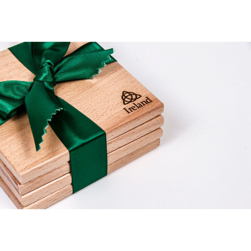 4-Pack Coasters With Trinity Knot Design – Wrapped With Green Ribbon