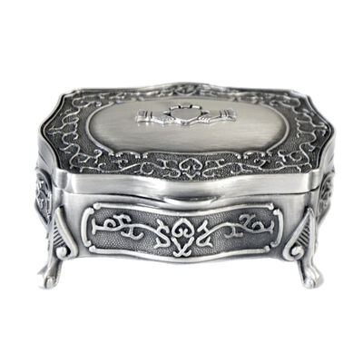 Mullingar Pewter Ring Box With Claddagh Pattern